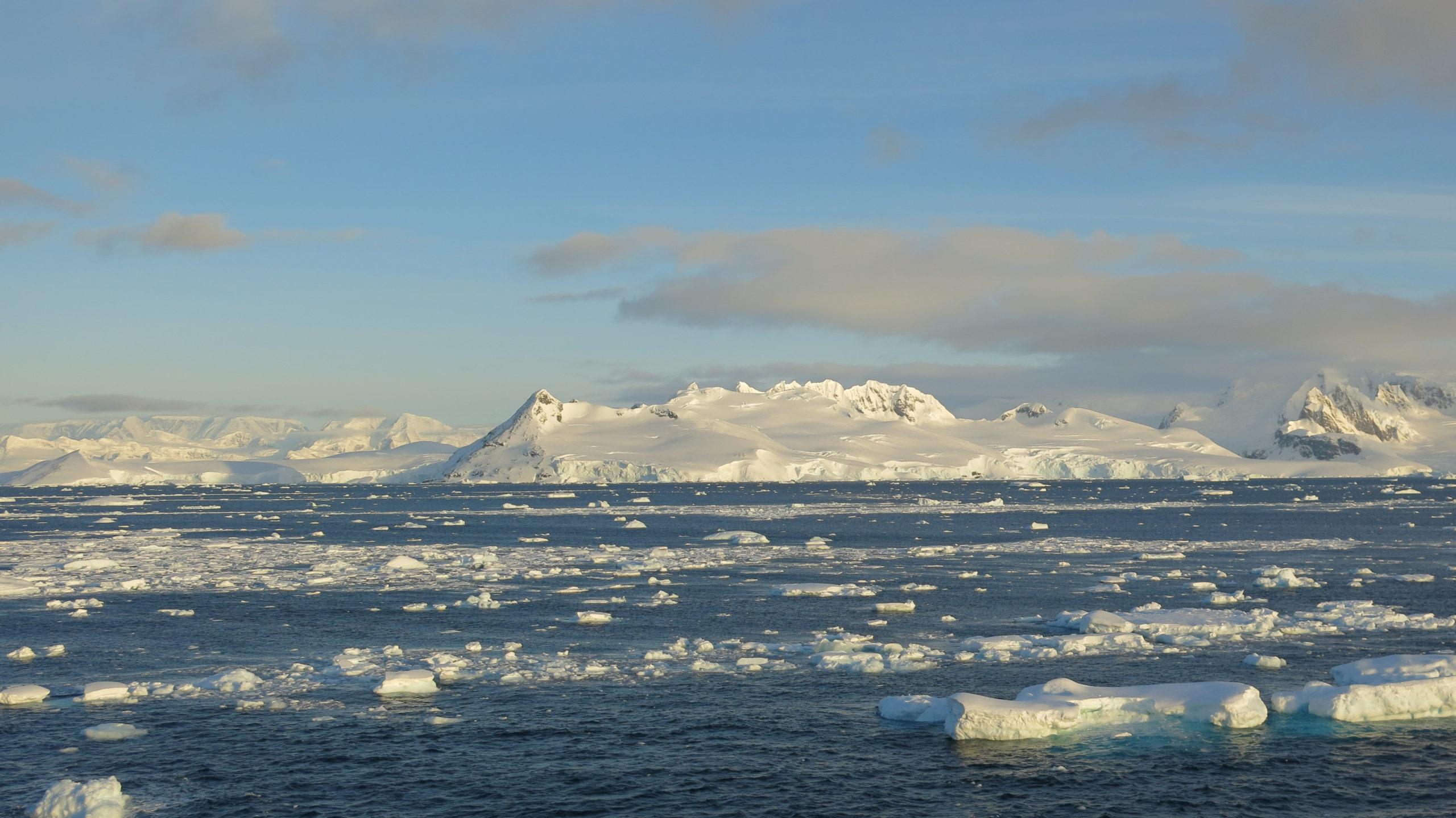 Heliski-Russia-Antarctique-8-scaled