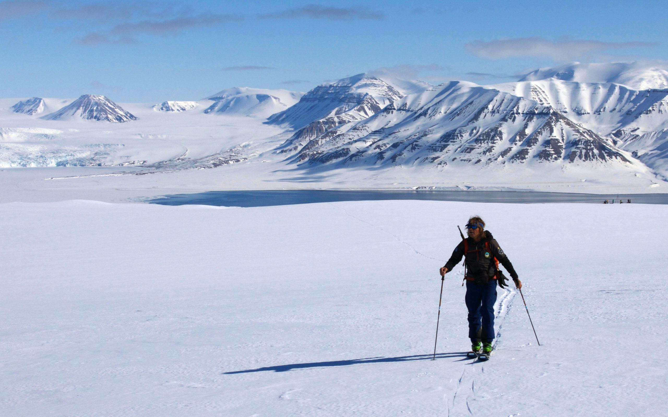Heliski-Russia-Archipel-Svalbard-3-scaled