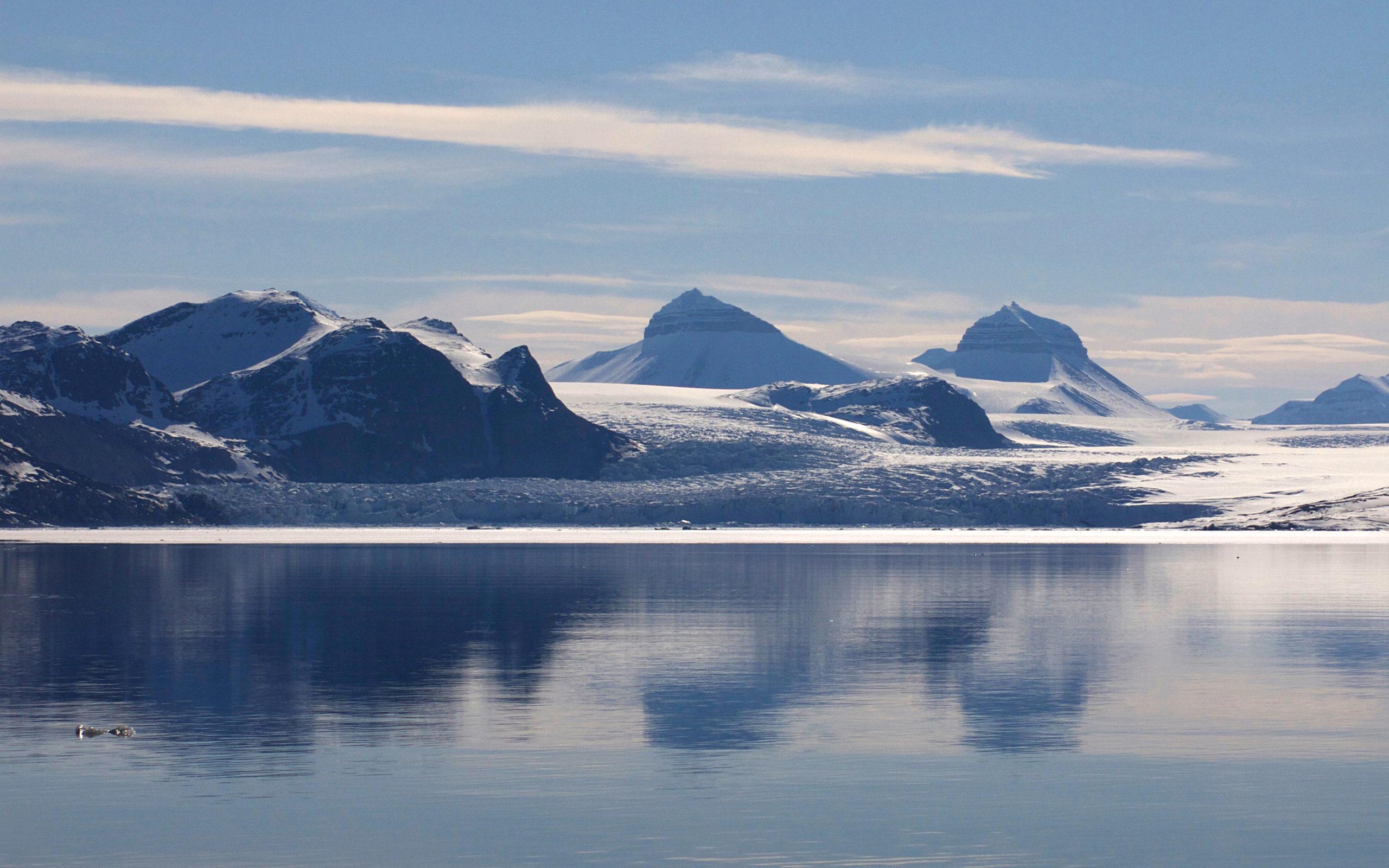 Heliski-Russia-Archipel-Svalbard-6-scaled