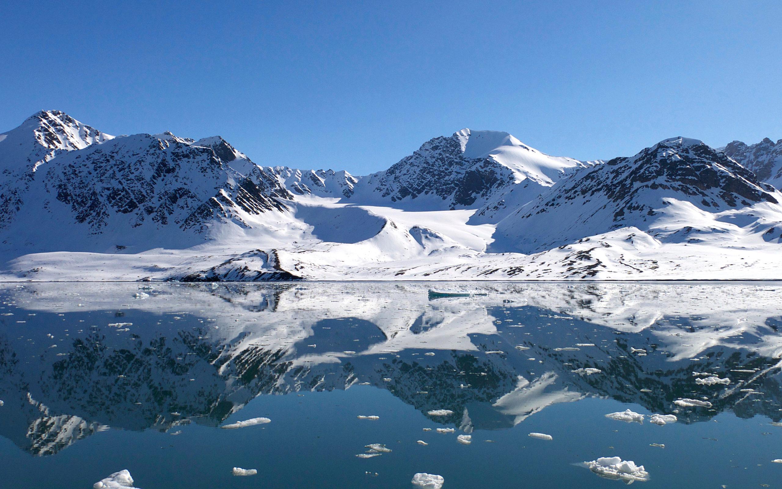 Heliski-Russia-Archipel-Svalbard-9-scaled