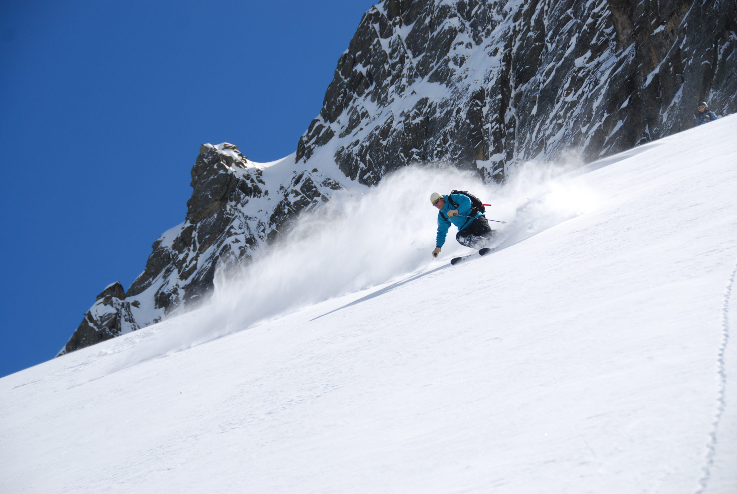 Heliski-Russia-Pyrenees-1-scaled