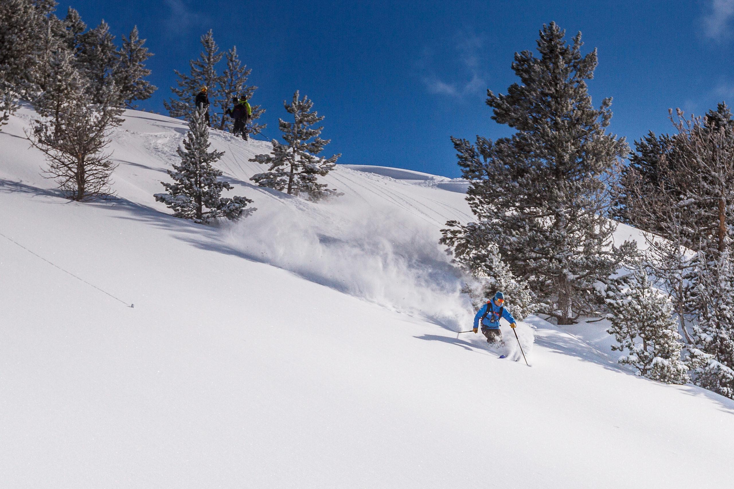 Heliski-Russia-Pyrenees-3-scaled