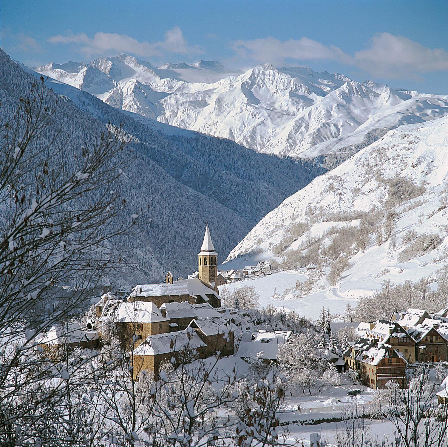 Heliski-Russia-Pyrenees-8
