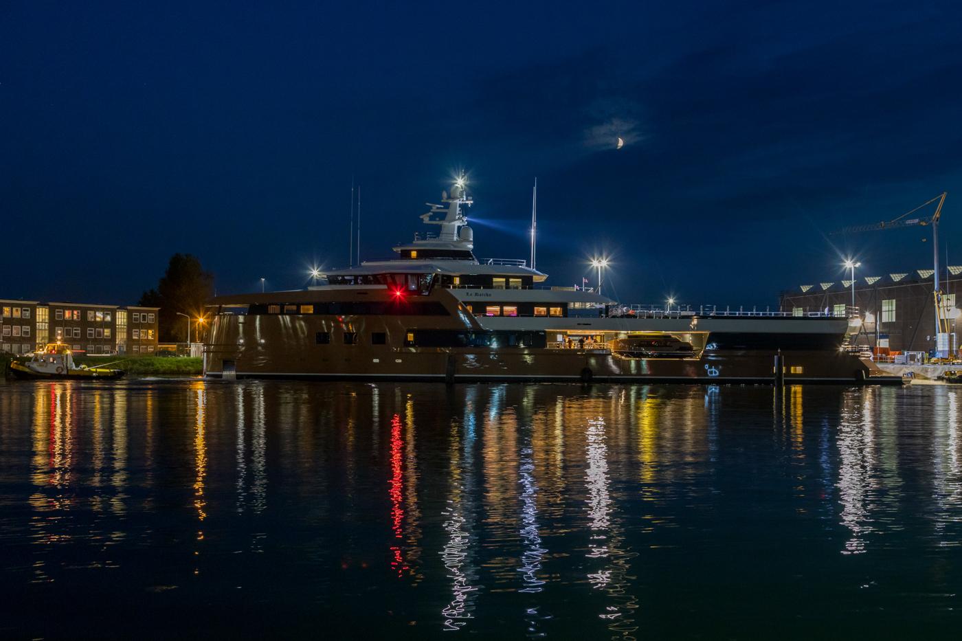 Yacht-La-Datcha-77-Heliski-Russia-10